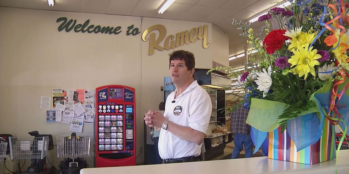 West Plains cashier has new job
