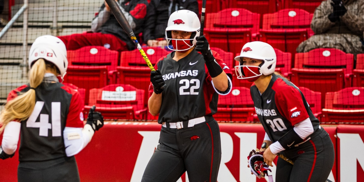 Arkansas softball extends win streak with Sunday victory over South Carolina