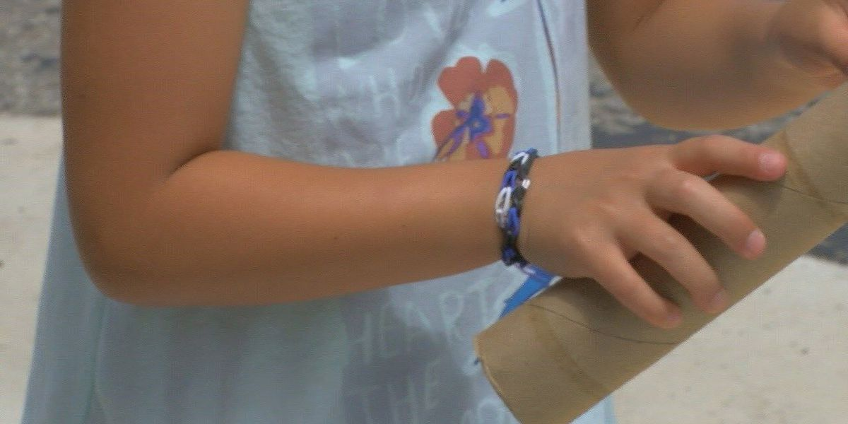 Family makes, sells bracelets to honor Lt. Weatherford