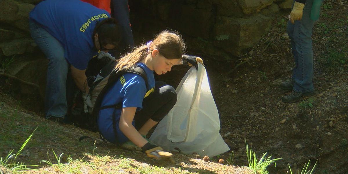 Volunteers enjoy nice spring day to clean up state park