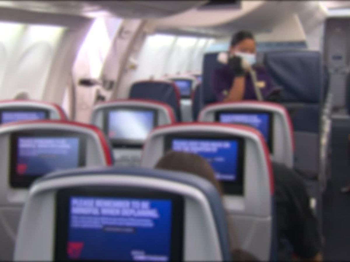 Study: Leaving middle seat open on planes reduces COVID exposure risk
