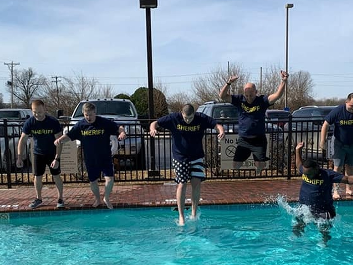 Polar Plunge helps raise money for Special Olympics