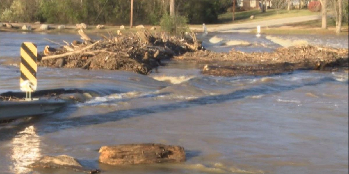 Flooding forces evacuations in Sharp County