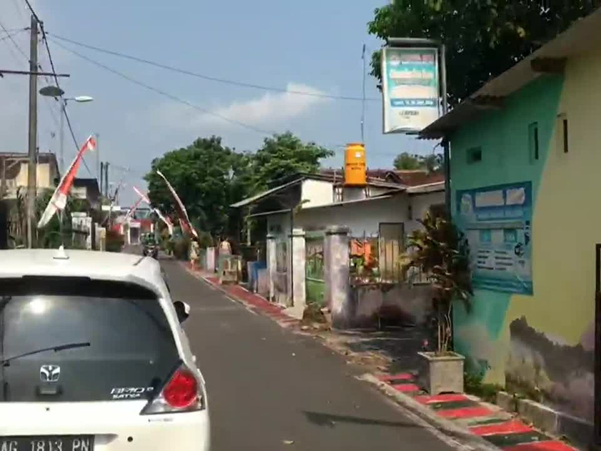 Indonesia quake kills 8 in Java, jolts Bali; no tsunami risk