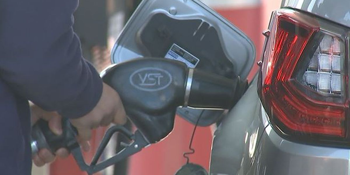 Analysts predict gas prices to hit $3 by month's end
