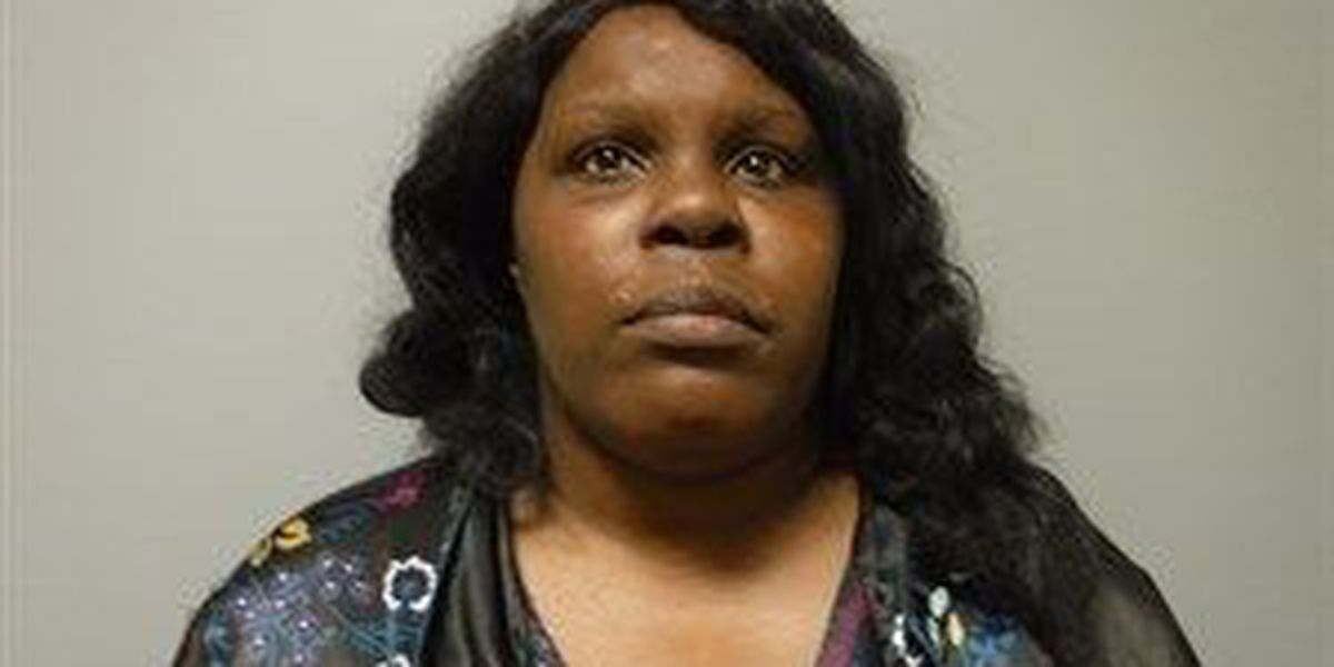 Woman accused of threatening boyfriend with chef's knife