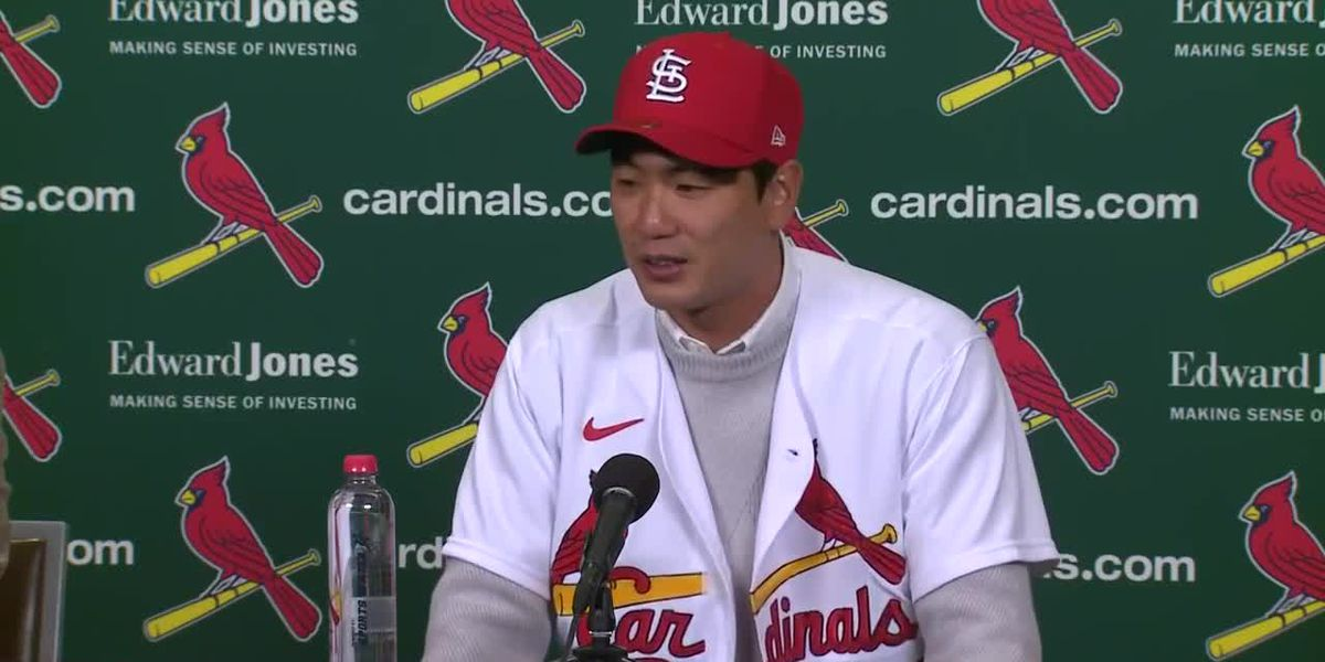Cardinals announce signing of Korean pitcher Kwang-hyun Kim