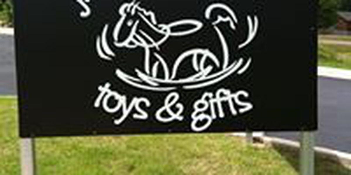 Jonesboro toy store announces plans to reopen