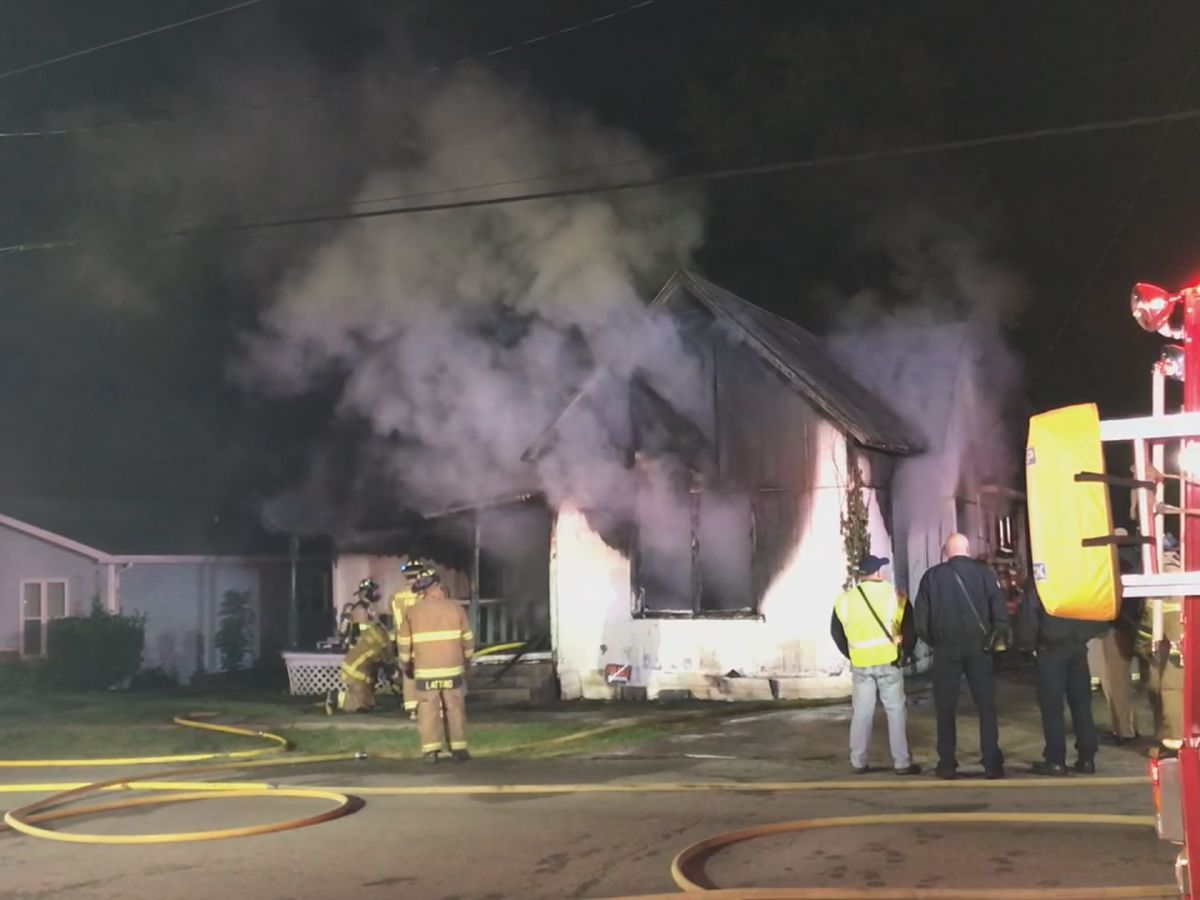 Crews battle house fire in Paragould