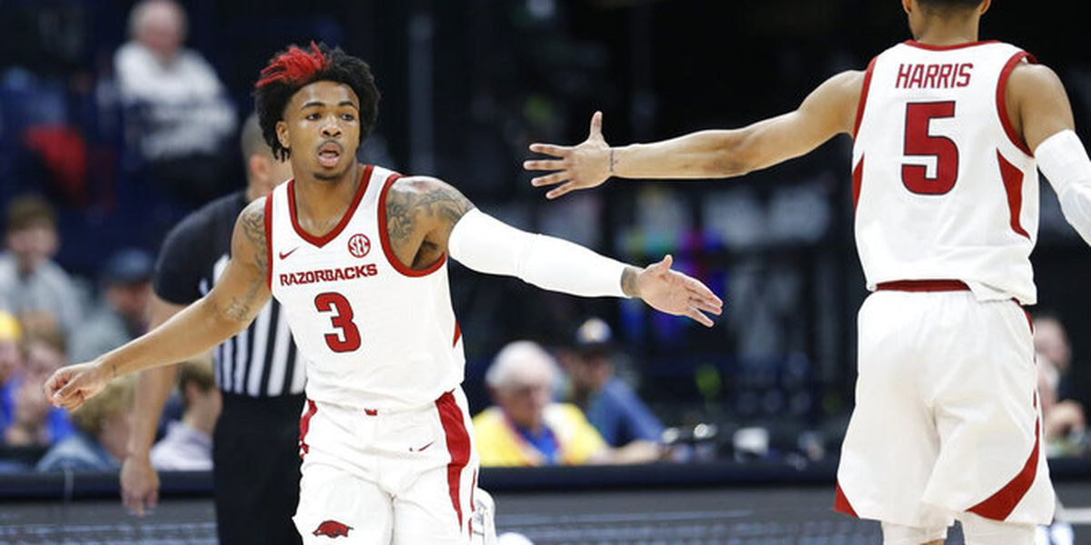 Desi Sills has 20 pts as Arkansas advances in SEC Tournament