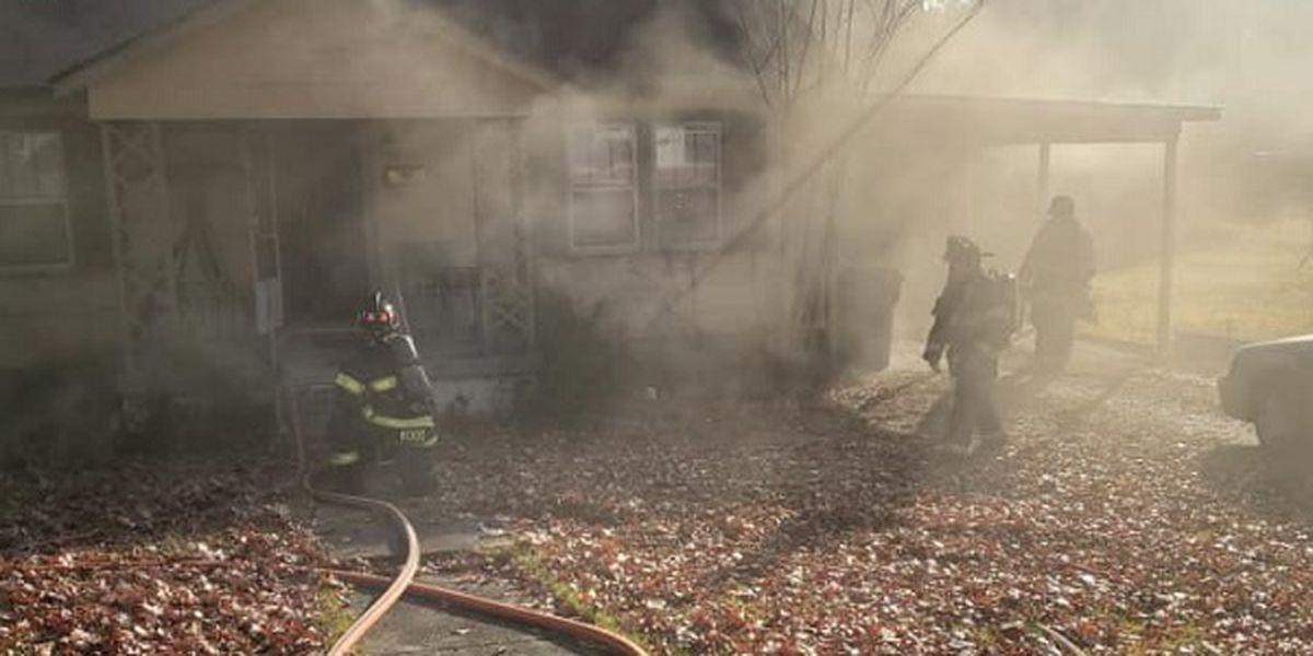 Jonesboro firefighters respond to fire on Haltom Street