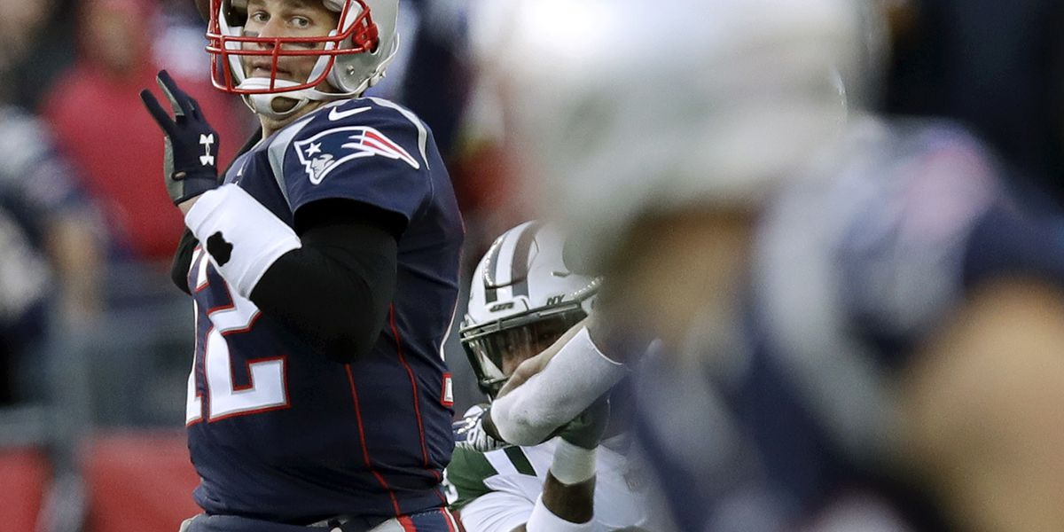 Patriots beat Jets 38-3, clinch 1st-round bye, No. 2 seed