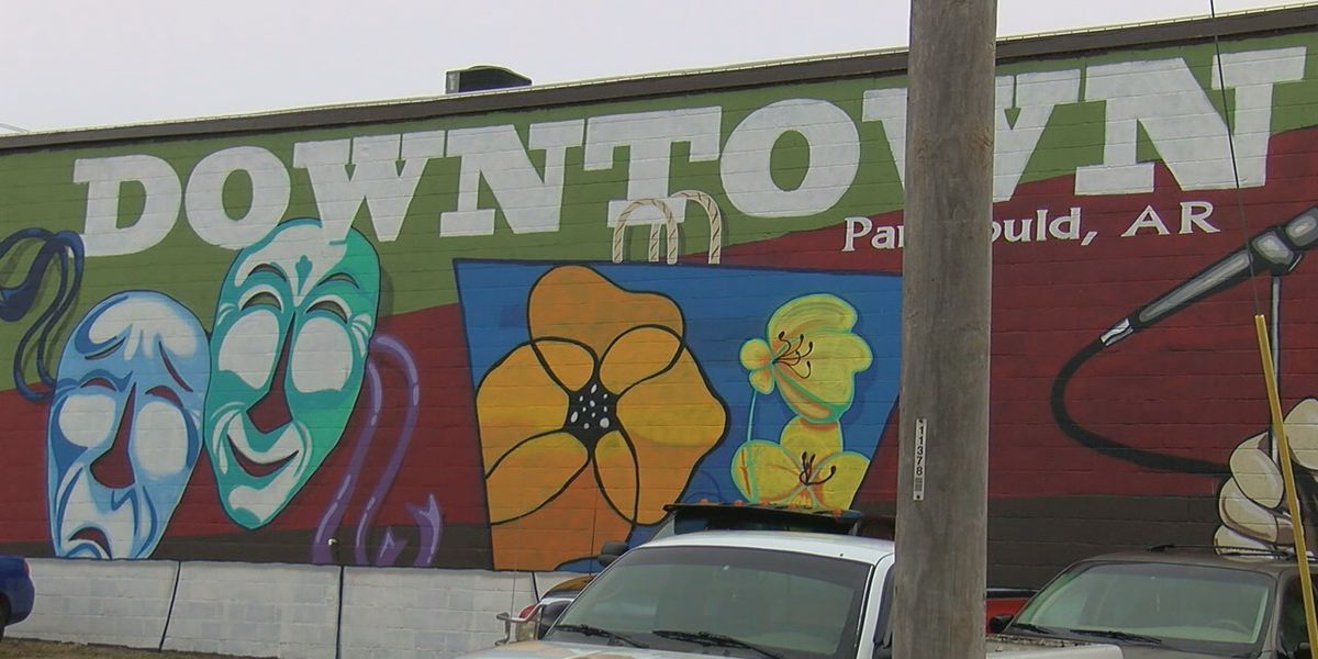 "New mural serves as a ""gateway"" to downtown Paragould"