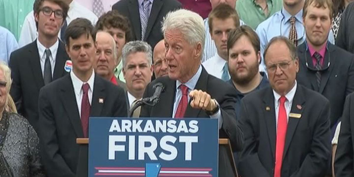 Former president urges young Arkansans to vote in November