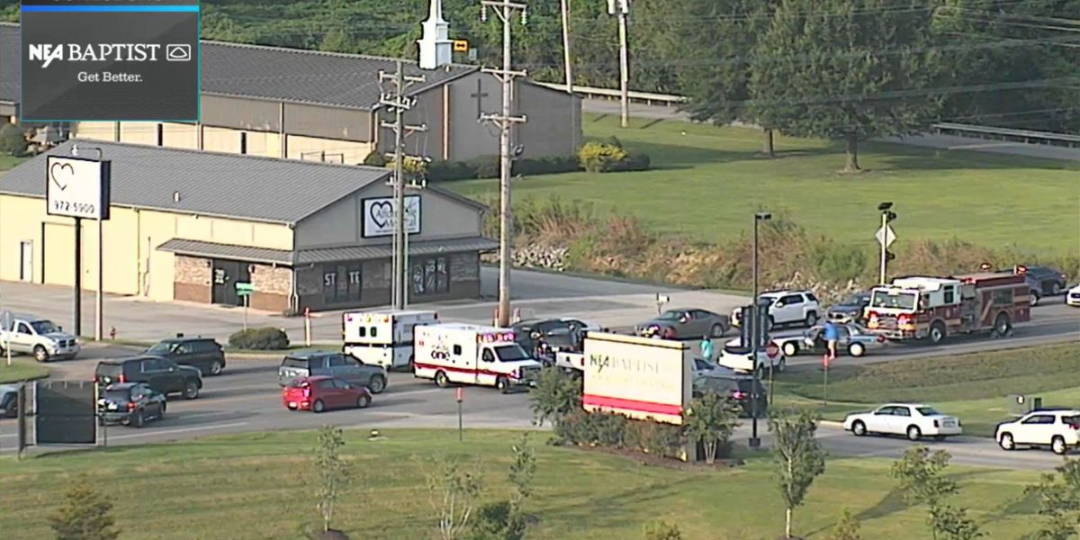 6 vehicle crash reported near hospital