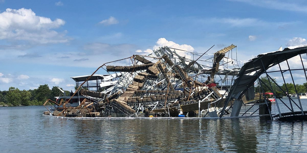 WATCH: Boaters scramble as EF1 tornado hits Ky. Marina Boat Dock