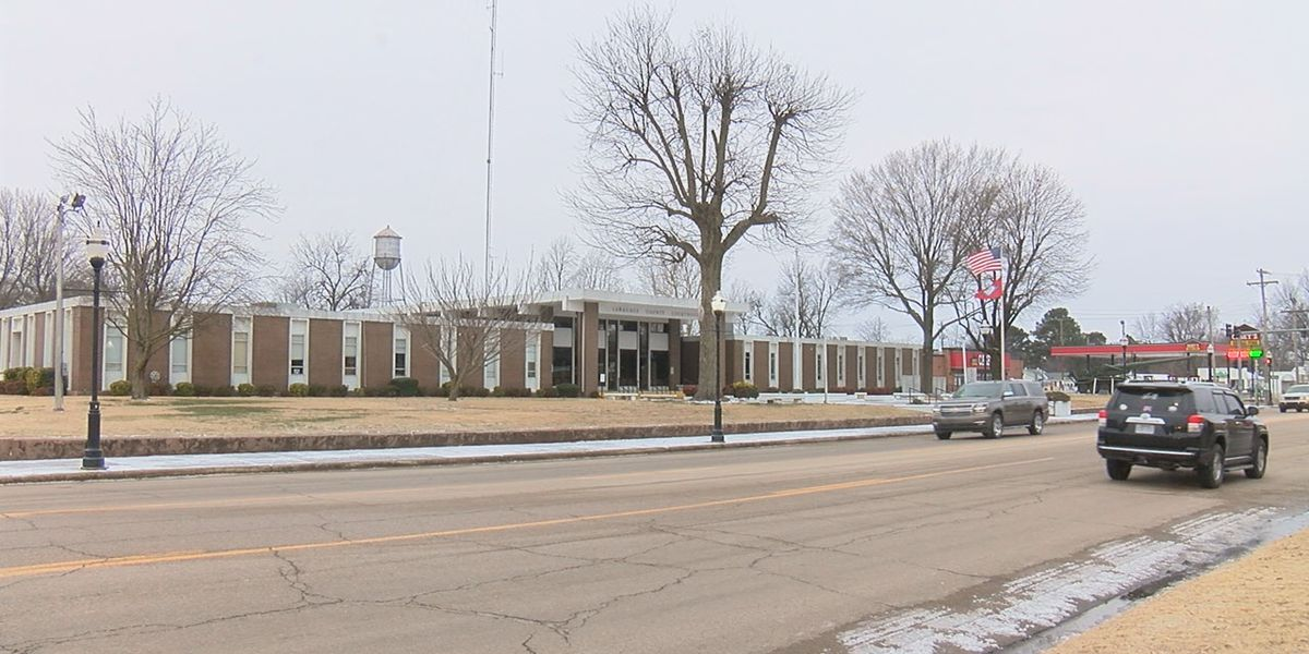 Lawrence County continues cleaning, preparing for potential snow Monday