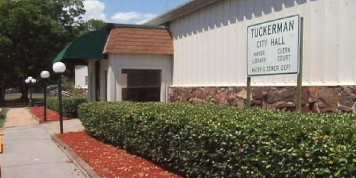Tuckerman mayor resigns