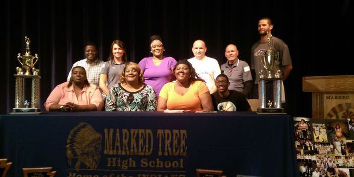 Marked Tree's Perry signs with Mineral Area College