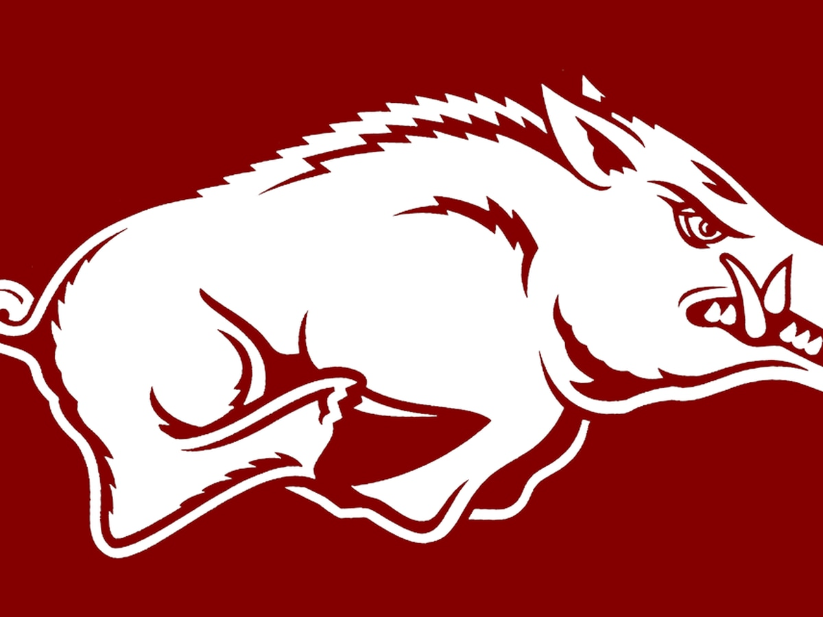Mason Jones drops 41 pts as Arkansas moves to 9-1