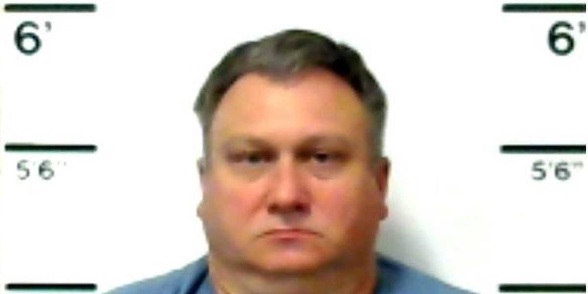 Kennett man accused in wife's death taken to jail after released on bond