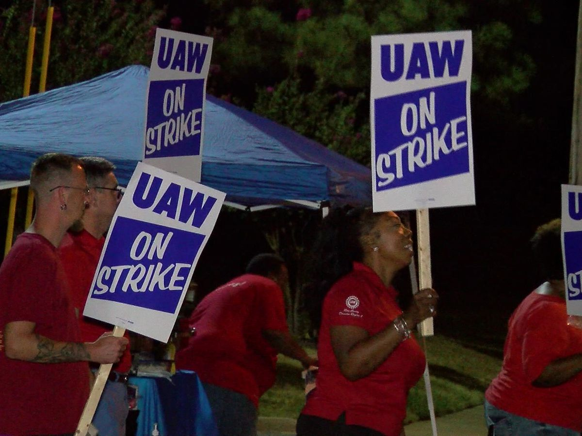GM workers continue strike while deal remains in limbo