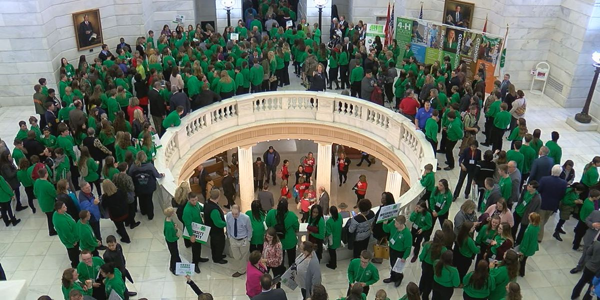 4-H members learn about Arkansas government; 4-H Day at the Capitol