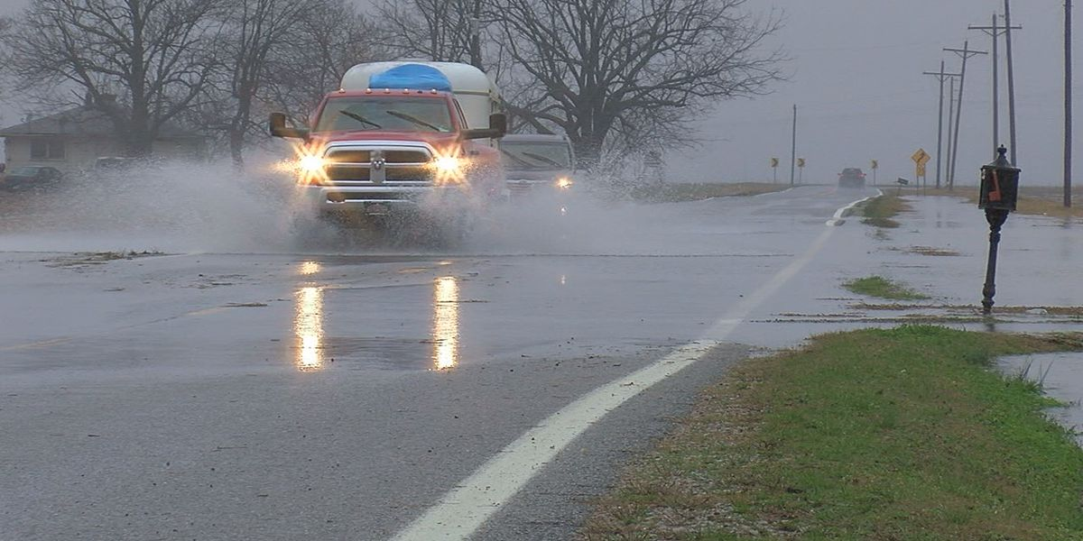 Heavy rainfall and flooding causing routes to close in parts of Region 8