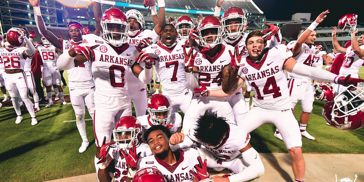 Arkansas upsets #16 Mississippi State, first SEC win since 2017