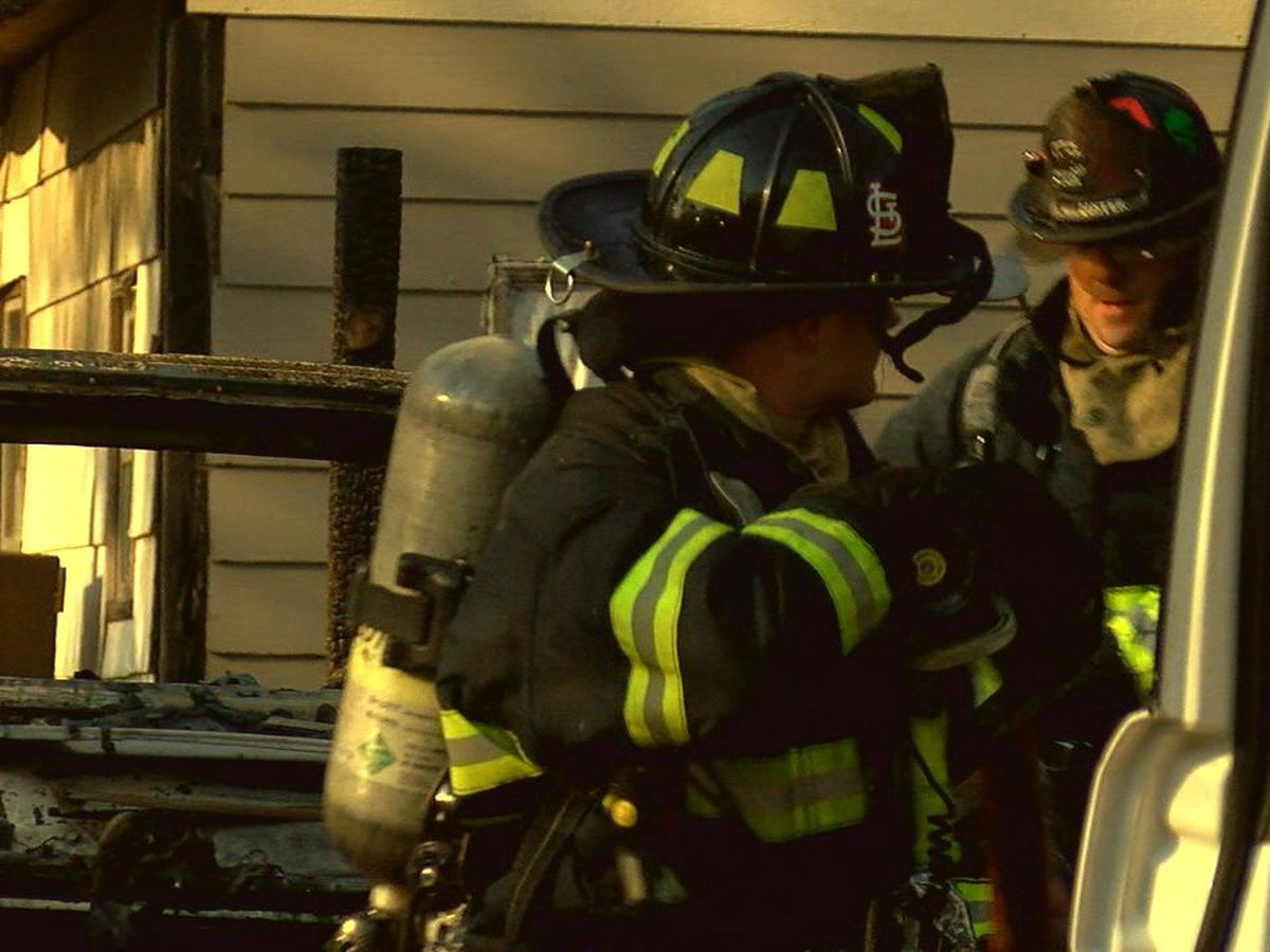 Firefighters rush to scene of house fire