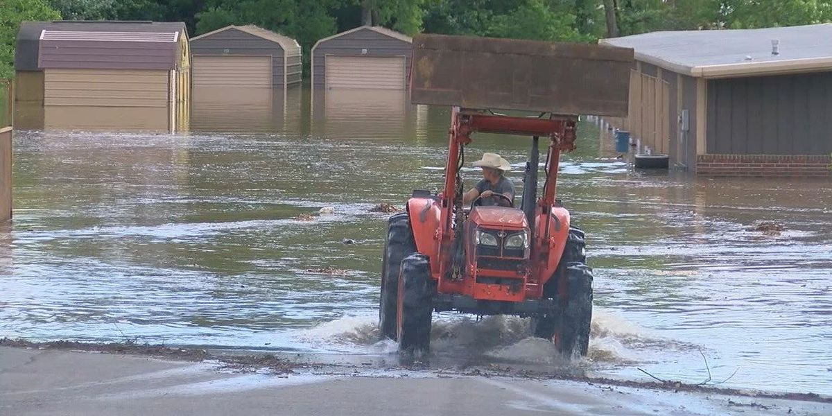 Residents working to help people in Pocahontas, urge caution