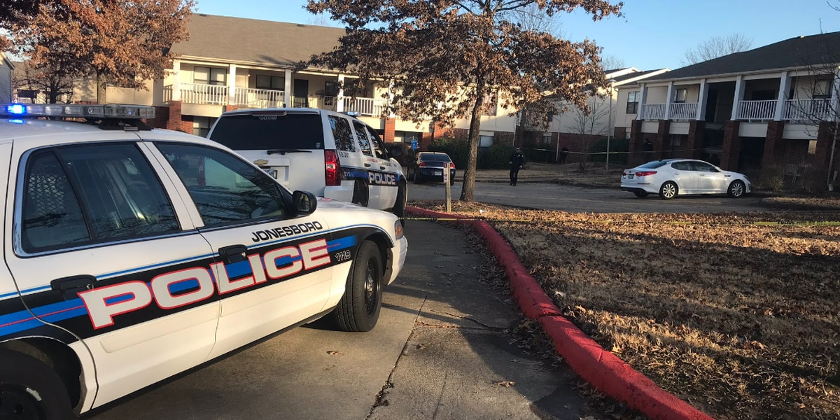 Suspect dead, names released in shooting at apartment complex