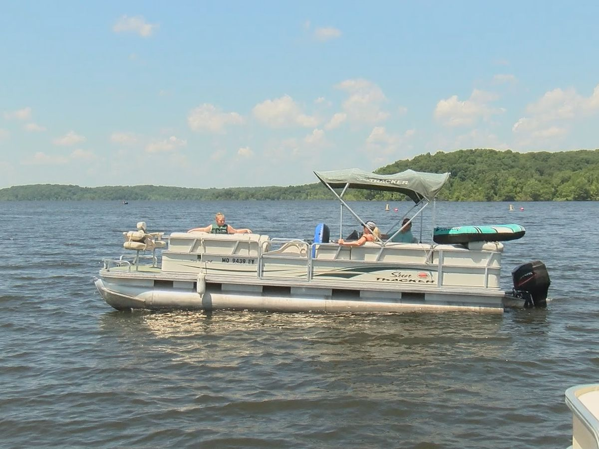Holiday boating safety tips for Memorial Day weekend