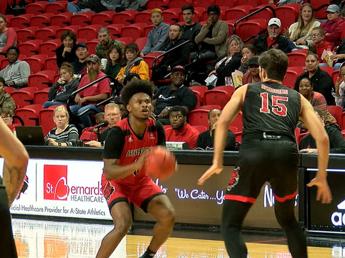 Scarlet edges Black 50-49 in Arkansas State basketball scrimmage