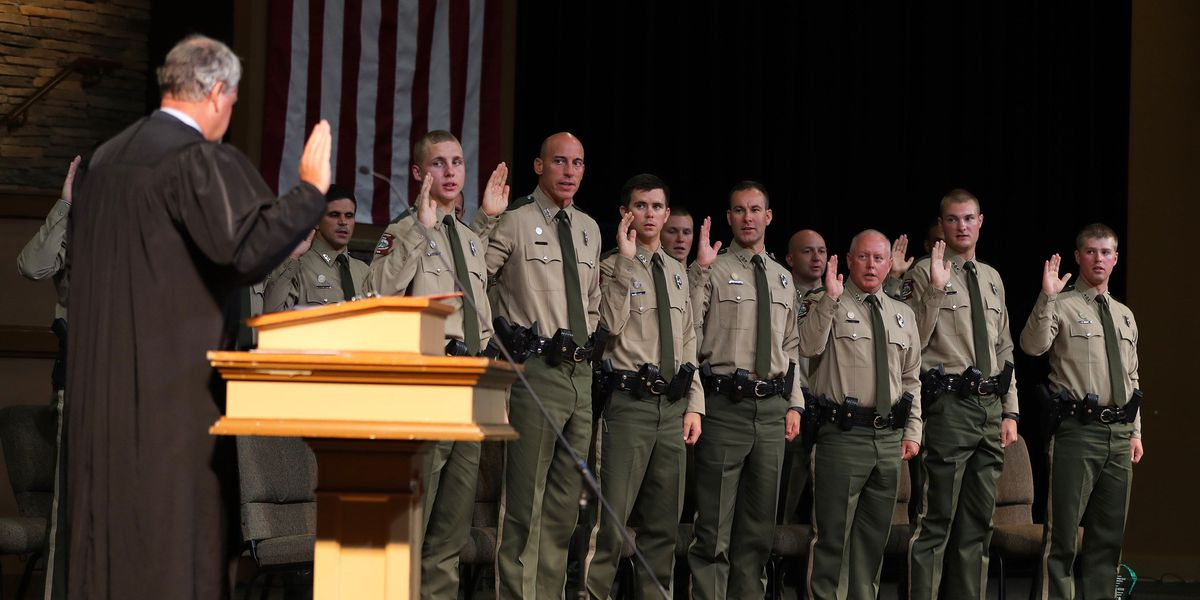 Gov. Hutchinson welcomes 15 wildlife officers to AGFC
