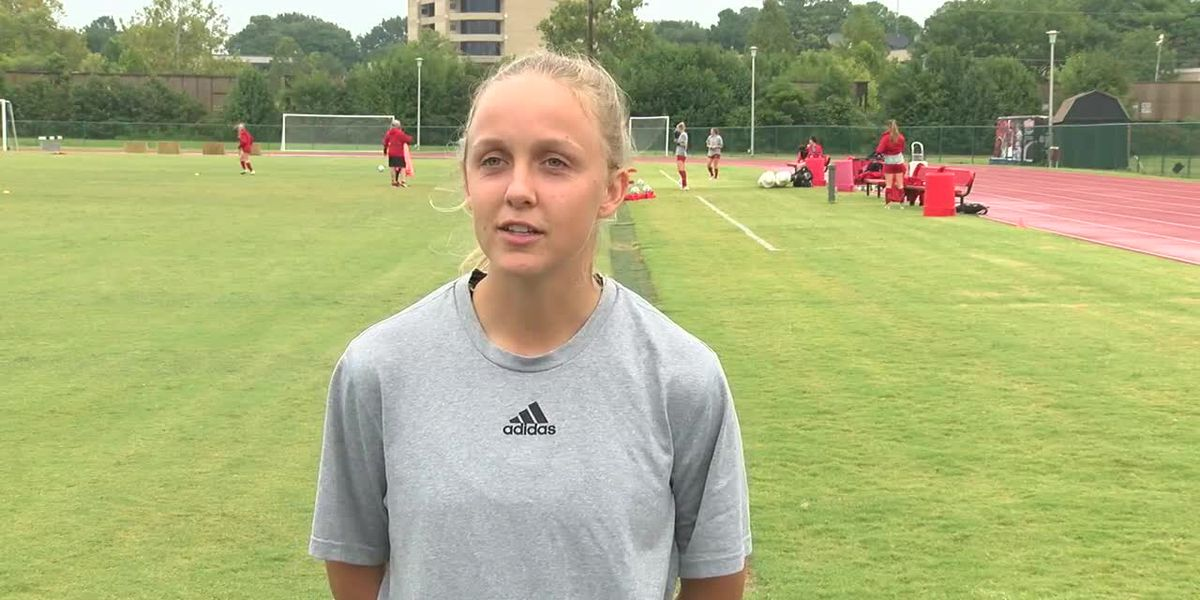 Red Wolves Raw: Brian Dooley & Hailey Furio before 9/22 soccer practice