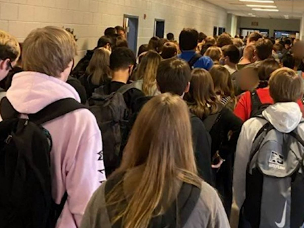 Georgia school with large crowds reports positive cases