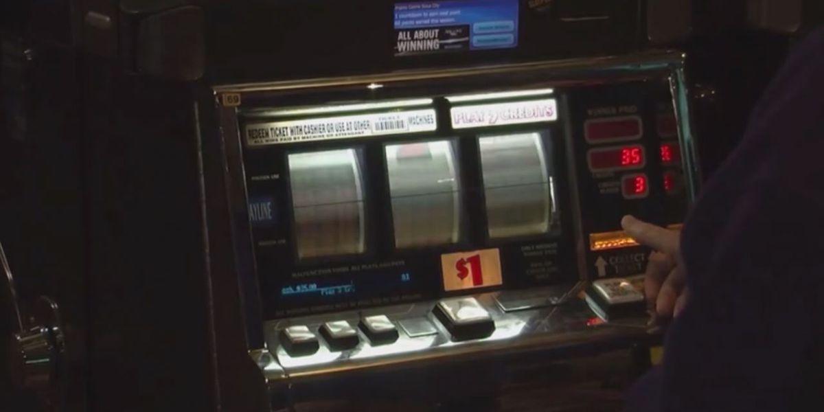 Outgoing Arkansas mayor backs casino plan on last day