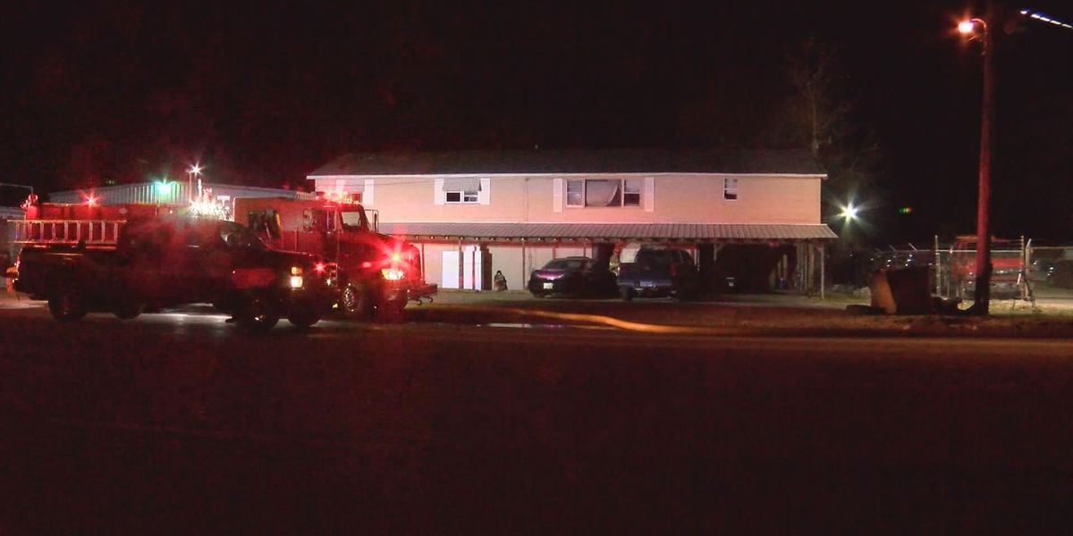 Crews battle overnight fire in Paragould