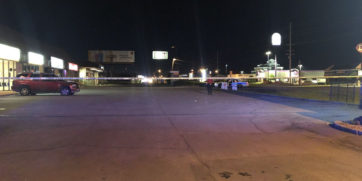 Police: Fight in front of bar ends with man shot