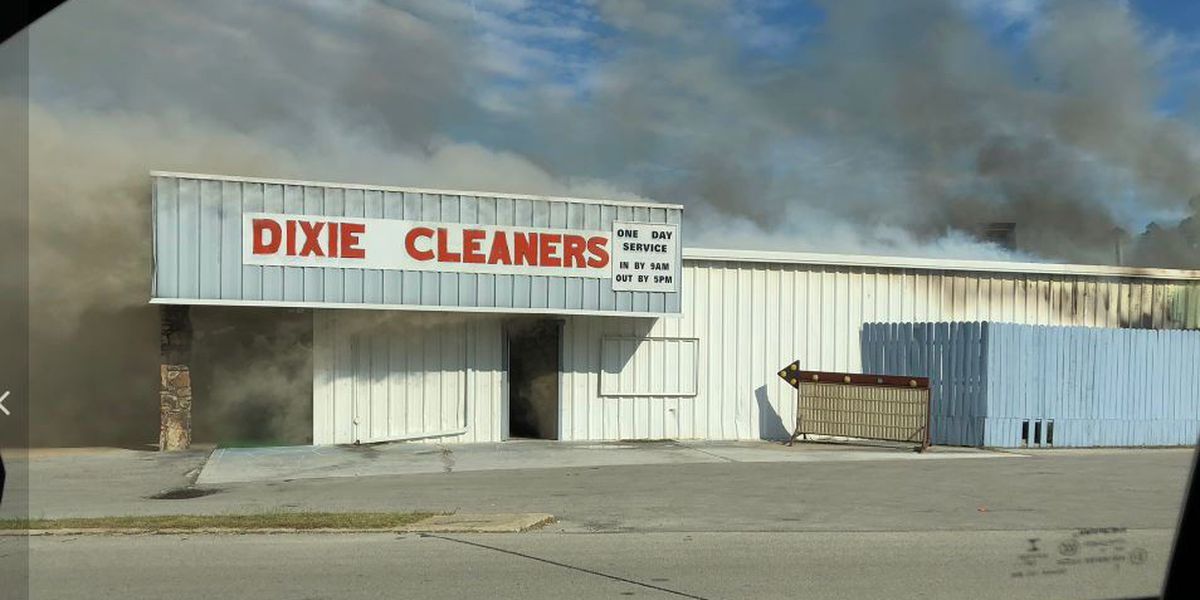 Fire reported at Dixie Cleaners in Paragould