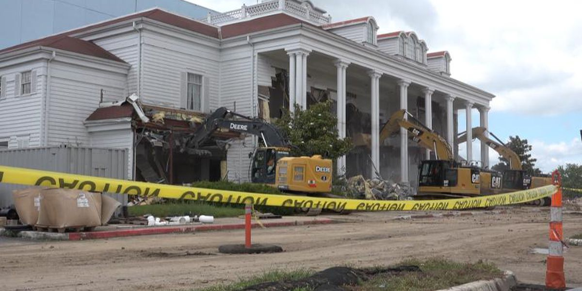 Grand Palace Theatre in Branson will soon be a memory