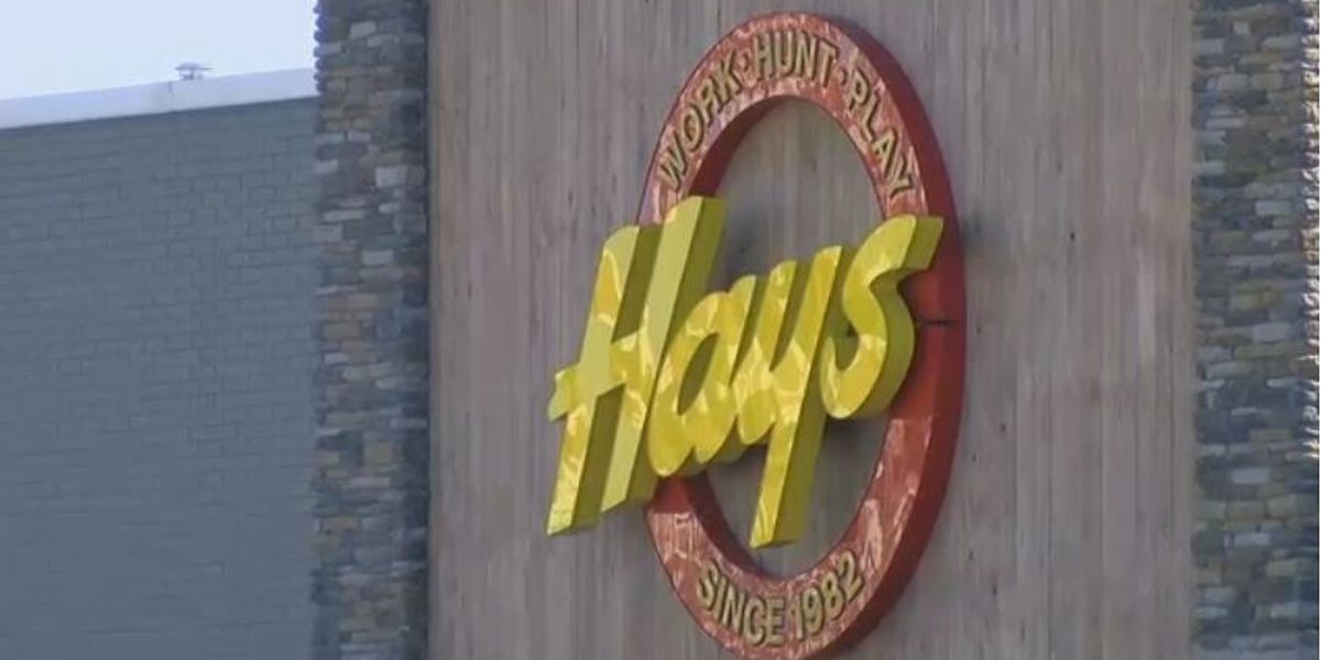 Hays 2 clothing store quitting business