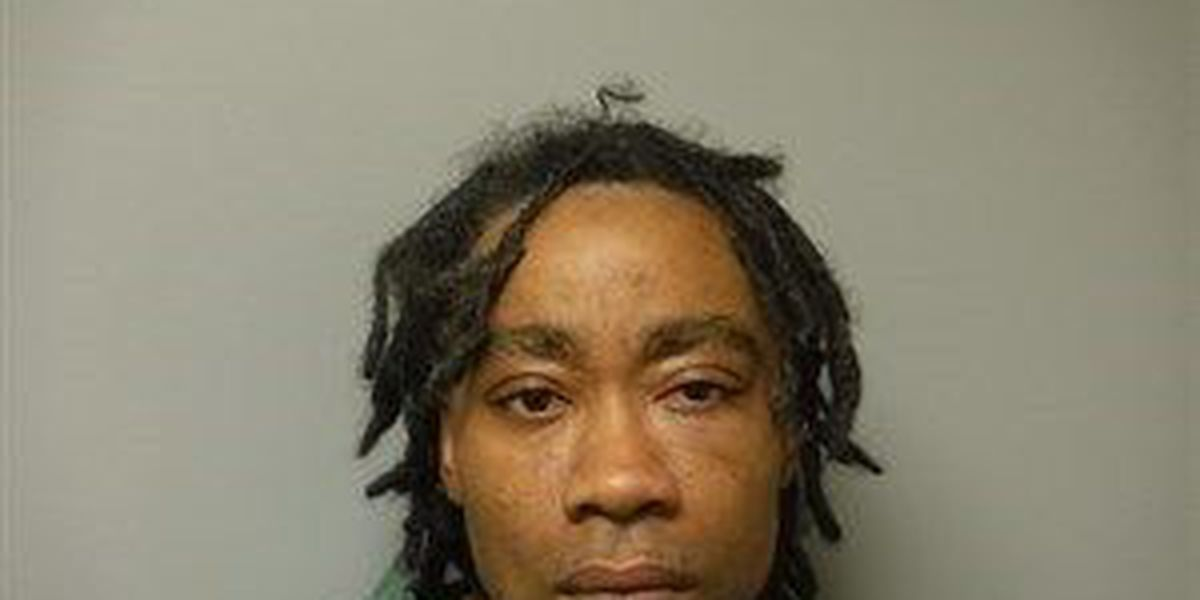 Man accused of shooting girlfriend appears in court