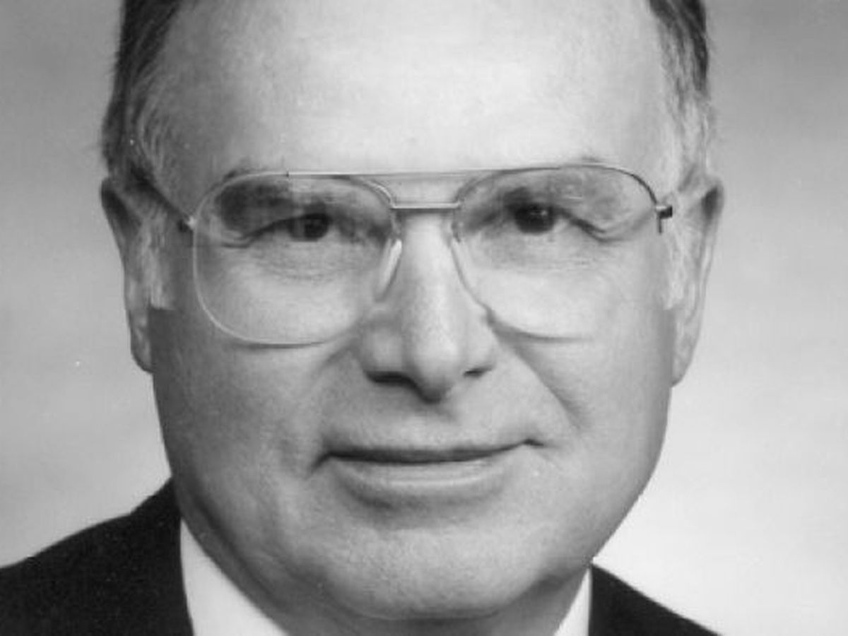 Eugene Smith, former A-State president, dead at 88