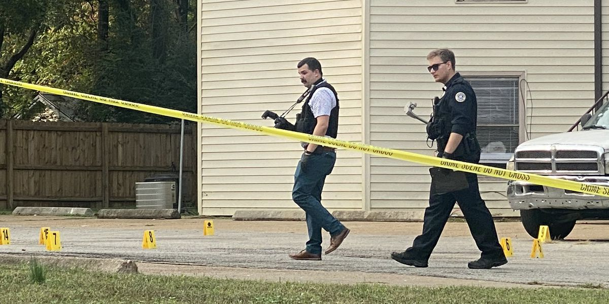 Police: Woman shot in the leg in North Jonesboro, suspects on the loose