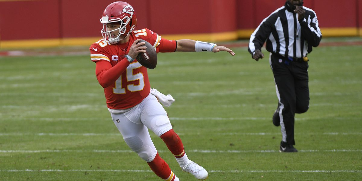 Chiefs QB Mahomes out for rest of game with concussion