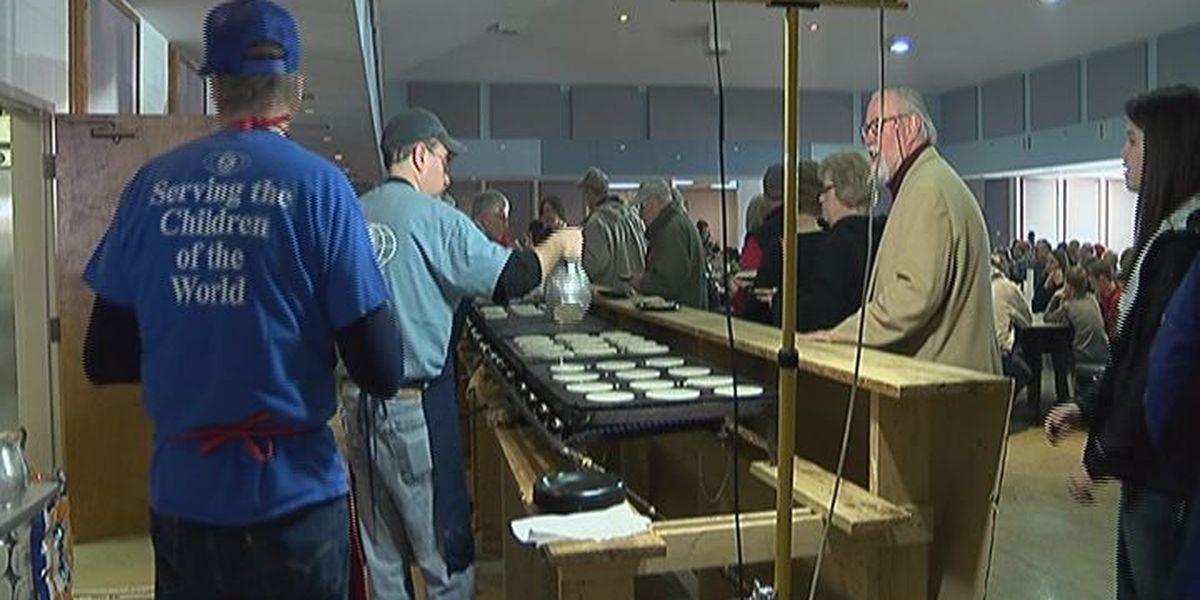 Jonesboro organization cooks pancakes to raise money