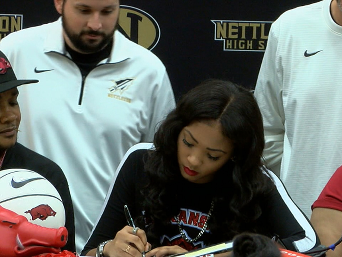 Nettleton guard Elauna Eaton signs with Arkansas