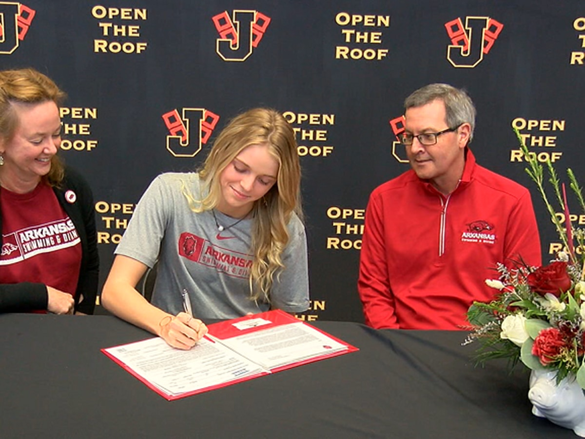 Jonesboro state champion swimmer Isabella Cothern signs with Arkansas